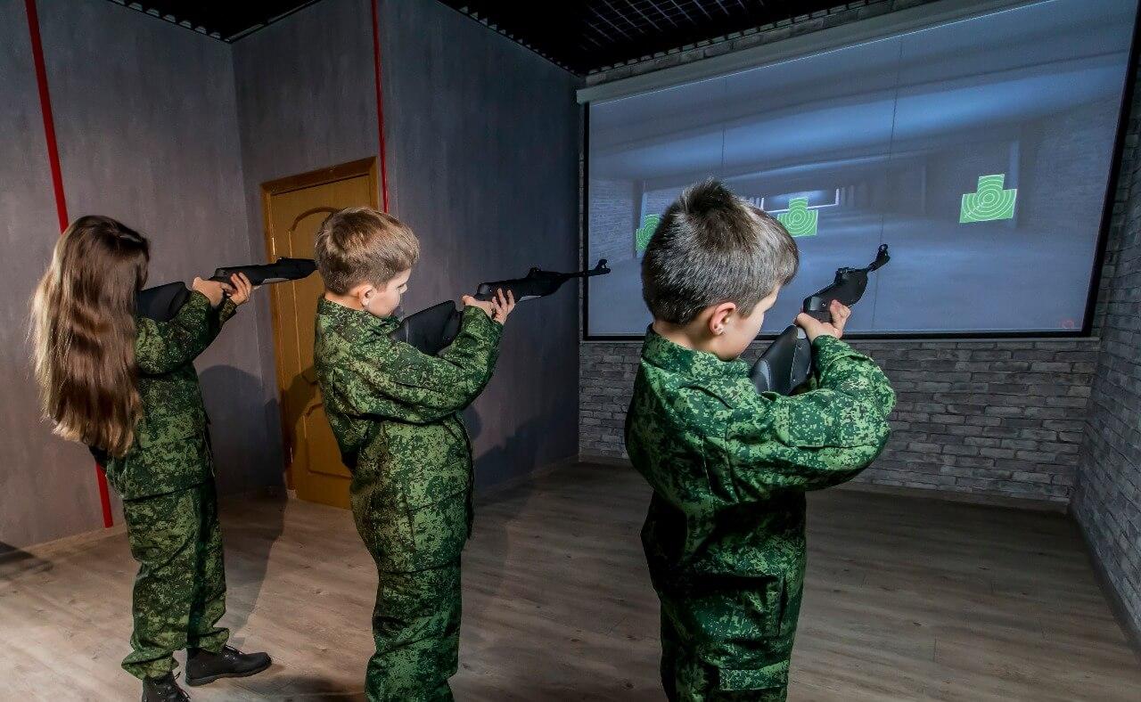 Стрельба в школьном лазерном тире